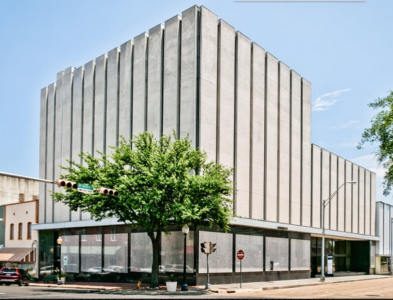ABSOLUTE AUCTION: 101 E AUSTIN ST. MARSHALL, TX – FORMER CHASE BANK BUILDING
